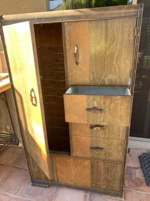 Antique armoire/dresser for Sale in Peoria, AZ