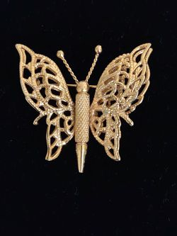 Gold Filigree Butterfly Brooch for Sale in St. Louis,  MO