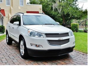 White Diamond 2011 Chevrolet Traverse AWDWheels for Sale in New Haven, CT