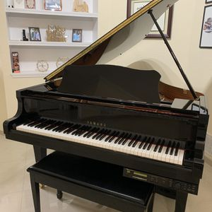 Grand Piano With Player Yamaha C2 Mint Condition for Sale in West Palm Beach, FL