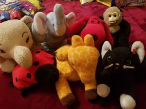 TAKE ALL STUFFED ANIMALS SMALL for Sale in Mount Prospect, IL