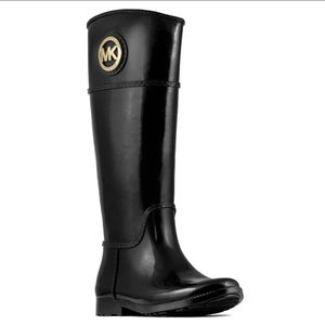 michael kors stockard rubber rain boots size 8 for Sale in Artesia, CA
