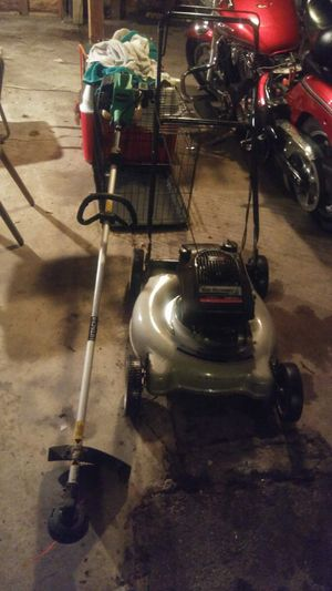 Lawn mower weed whacker for Sale in Garfield Heights, OH