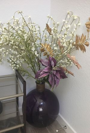 Beautiful large vase includes flowers for Sale in Stockton, CA