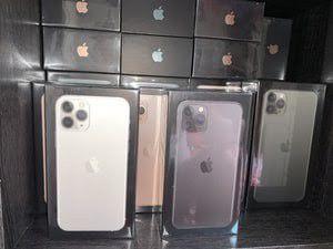 iPhone 11 Pro Max 512gb Unlocked for Sale in Phoenix, AZ