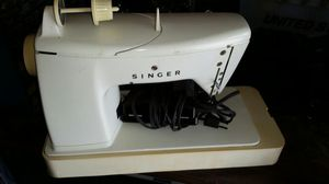 Singer sewing machine for Sale in Sanger, CA