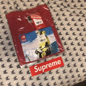Supreme / The North Face Photo Tee Medium Red (100% Authentic) for Sale in Los Angeles, CA