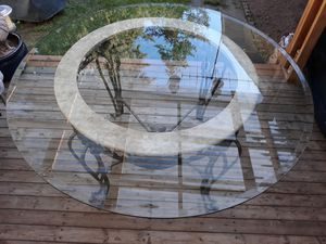 VERY NICE ROUND GLASS TABLE TOP WITH METAL BASE FOOT VERY STRONG FOR SALE for Sale in Bellevue, WA