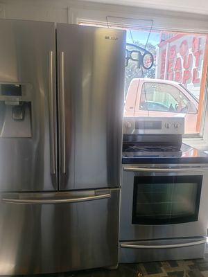 Samsung refrigerator whit stove stainless steel for Sale in Tampa, FL