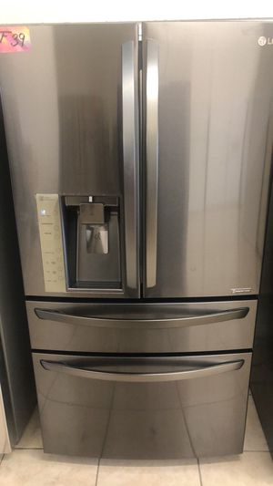 Refrigerator French door fridge 4 doors lg brand for Sale in Los Angeles, CA