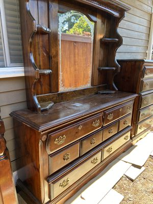 Free 4 peice bedroom set for Sale in Everett, WA