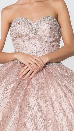 Quinceañera vestido hermoso. Sweet 16th gown dress for Sale in Bartlett, IL