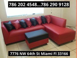 Red couch brand new for sale for Sale in Miami, FL