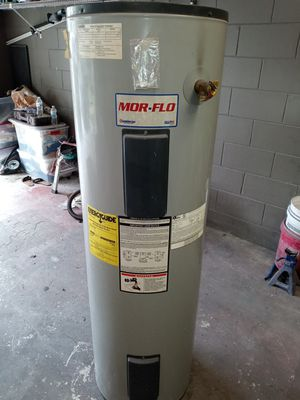 MOR-FLO WATER HEATER 40GALLONS for Sale in Lockhart, FL