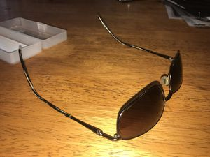 Maui Jim Sport sunglasses with lens cleaner kit PERFECT CONDITION comes with FREE BEER for Sale in Salt Lake City, UT