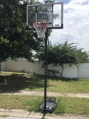 Like New Lifetime Basketball Hoop for Sale in Bartow, FL