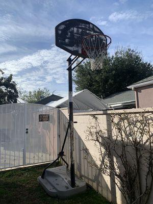 Basketball hoop for Sale in Santa Ana, CA