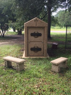 Double mausoleum/Crypt for Sale in Kiln, MS
