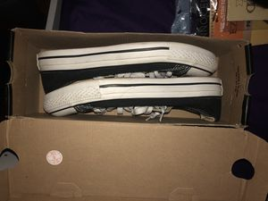 Black Converse ( NEED GONE ASAP) for Sale in Cleveland, OH