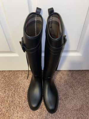 Burberry women's rain boots for Sale in Forest Heights, MD