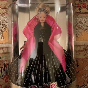 Happy Holidays Barbie 1998 for Sale in Chicago, IL