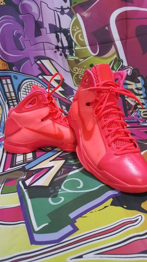 Nike Hyperdunk 08' Solar Red's for Sale in Woodway, WA