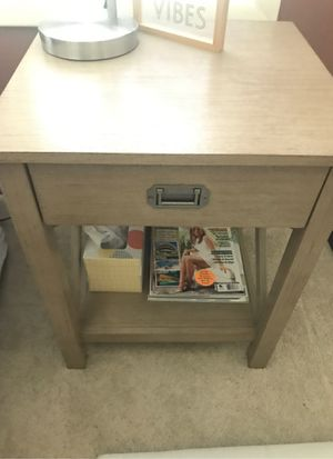 End table for Sale in Victoria, TX