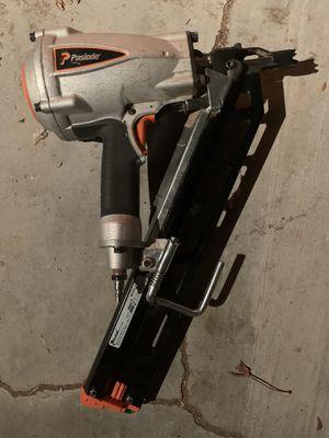Paslode f350s nailgun pistola de clavos for Sale in Adelanto, CA