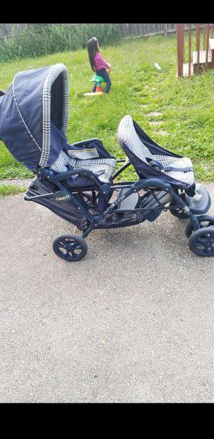 Graco Double stroller in good condition for Sale in La Grange Park, IL