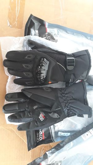 Moto gloves for Sale in West Covina, CA