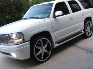 4x4 works great 2005 GMC Yukon Denali for Sale in Azusa, CA