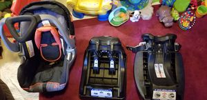Like new infant car seat with 2 bases for Sale in Vernon, CT