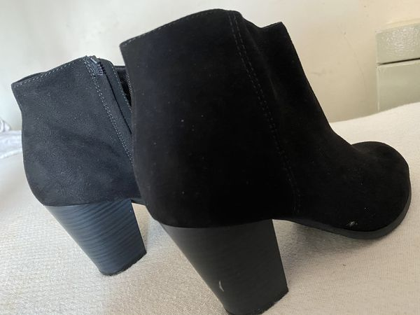 Ankle Boots (Size 6 in Women)