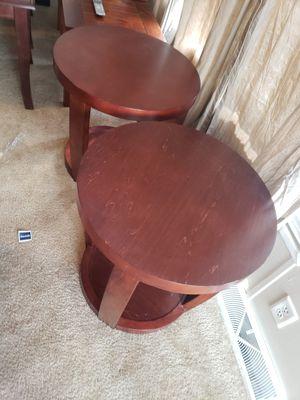 2 end tables. 2 mesitas de esquina for Sale in Houston, TX
