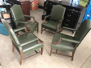 SET OF 4 ANTIQUE MID CENTURY GREEN VINYL CHAIRS for Sale in Chino, CA