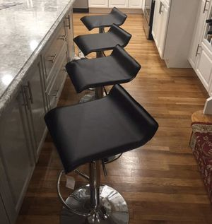 Set of 4 black chairs bar stools new in box for Sale in Clifton, NJ