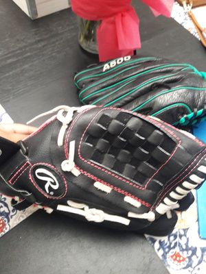 Baseball glove for Sale in Fort Worth, TX