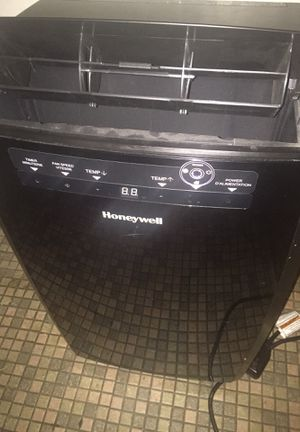 HoneyWell 10000 BTU Portable Air Conditioner. With Remote/Timer for Sale in Sacramento, CA