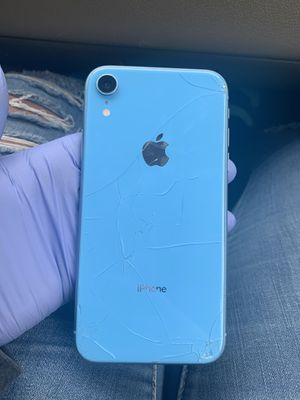iphone xr for Sale in Milwaukee, WI