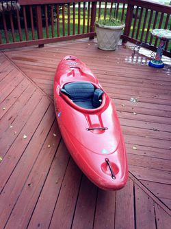 Remix 59 whitewater kayak for Sale in Germantown,  MD