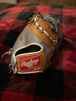 Rawlings Heart Of The Hide First Base Glove for Sale in Nuevo,  CA