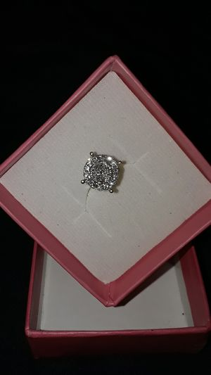 14KT 23 0.02 ct 1.7mm RND SI1 DIA = TO 0.79ct 6.0mm, MSRVP $799 , ILL TKE $350 OR EQUAL TRDE, PRICE IS FIRM..WILLING TO MEET FOR DIAMOND TESTING... for Sale in Memphis, TN