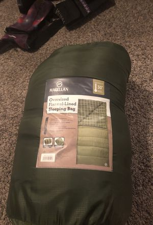 Oversized sleeping bag used once for Sale in Wells Branch, TX