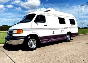 Only$1000 RoadTrek 2OO2 runs perfect for Sale in Lincoln, NE