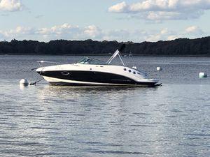 2017 Chaparral 225 SSI cuddy cabin boat for Sale in Bristol, RI