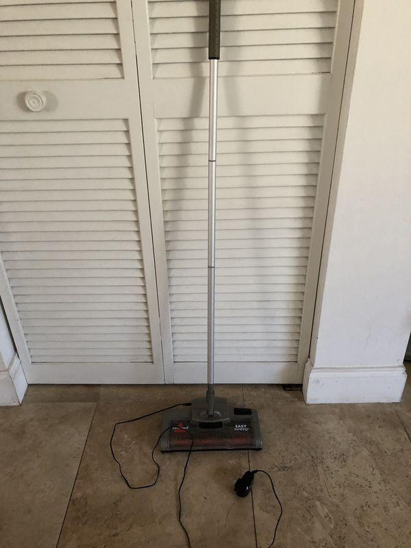 Bissell Easy Sweep Vacuum/cordless sweeper