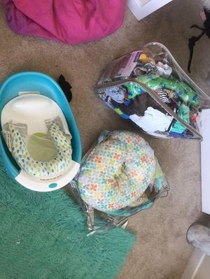 Baby tub / boppy / baby cloths for Sale in Bladensburg, MD