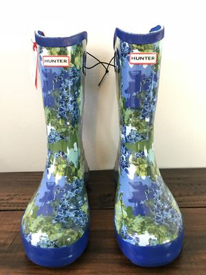 Brand New Hunter for Target Kid's Tall Rain Boots in Patterned Blue Sz 3,4 &5 for Sale in West Covina, CA