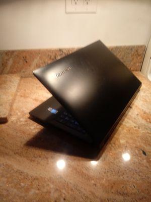Lenovo B50-80 i3 quad 8gb ram 500SSD LAPTOP for Sale in Oakland Park, FL