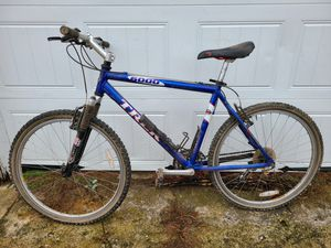 "Trek 6000 Bike 19"" 130.00 for Sale in Stonington, CT"